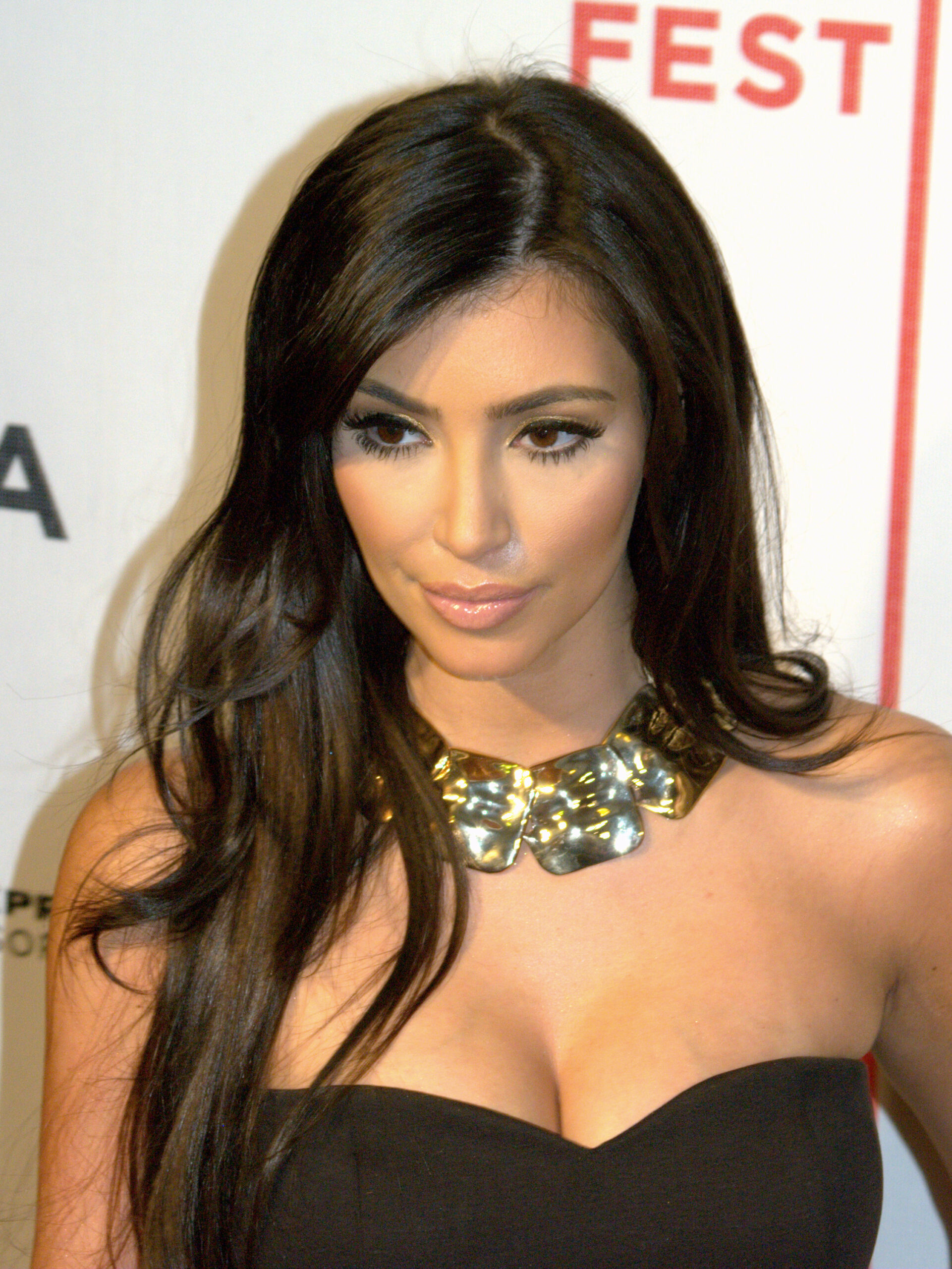 Fotografiile pe care Kim Kardashian le vrea disparute! Adevarul a iesit la suprafata