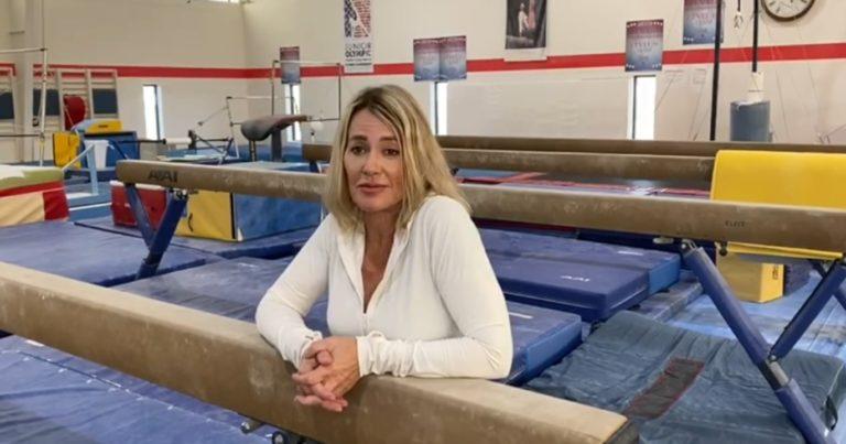 Mesajul Nadiei Comăneci pentru Larisa Iordache, gimnasta care a scris istorie și a luat două medalii de aur la Europene