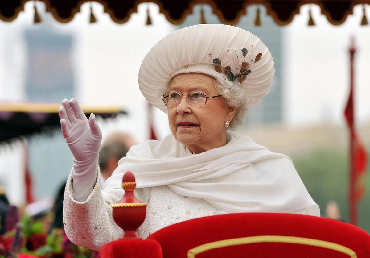Şoc pentru Regină! Criza provocată de coronavirus lovește puternic Casa Regală. Pierderi financiare foarte mari