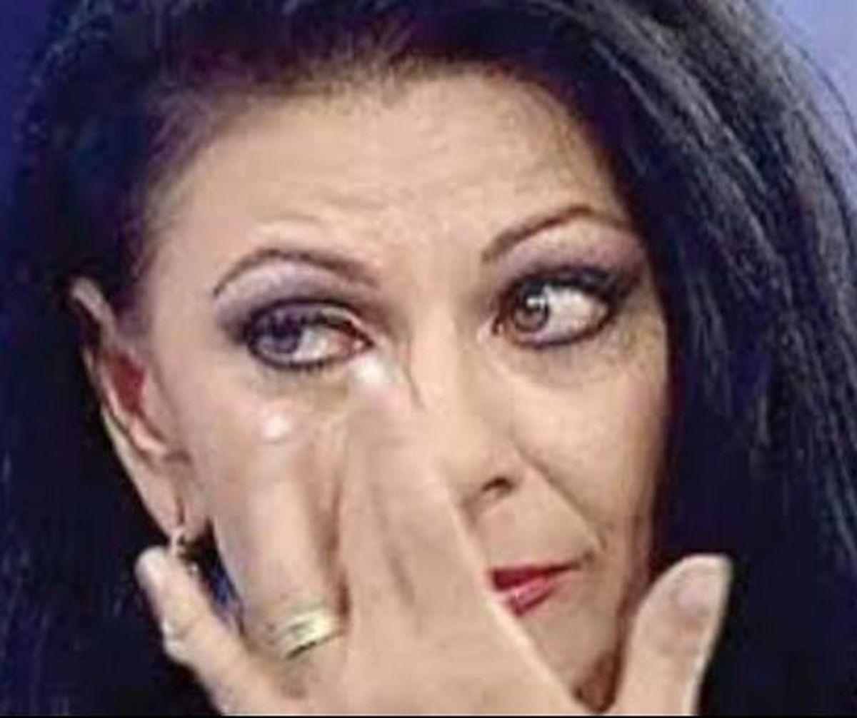 Elena Carstea isi striga durerea: