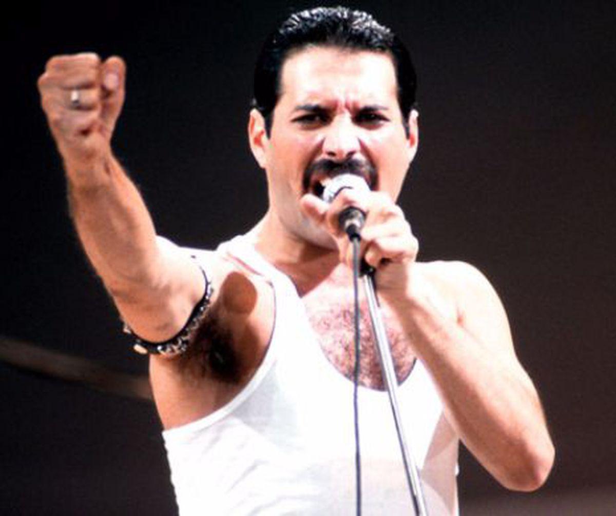 Ultimele imagini cu Freddie Mercury! In ce ipostaze a fost surprins celebrul artist