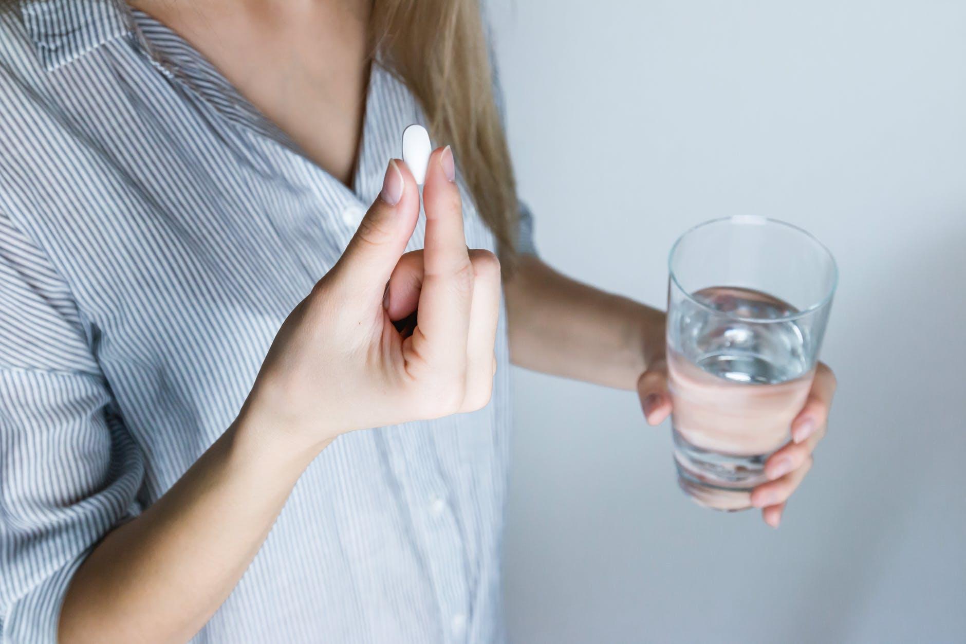 Semnal de alarmă pentru români! Utilizați acest medicament cu mare grijă