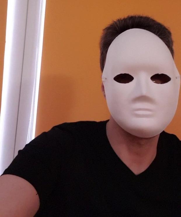 VIDEO neașteptat! Mircea Badea a apelat la mască antivirus