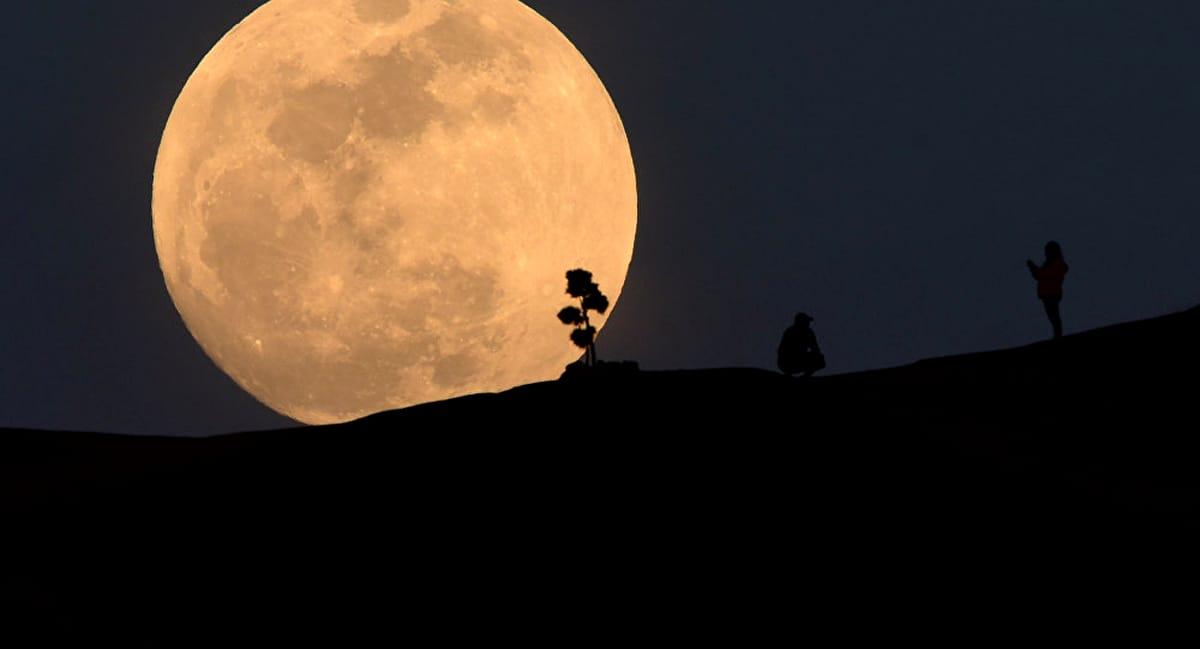 Lună Plină în Taur. Se apropie dezastrul! Astrolog: Vremurile se schimbă, fraților!
