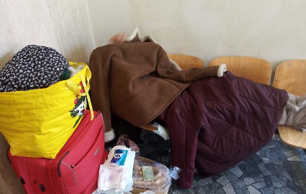 Italia. Badantă româncă, părăsită de toată lumea. Imaginea disperării
