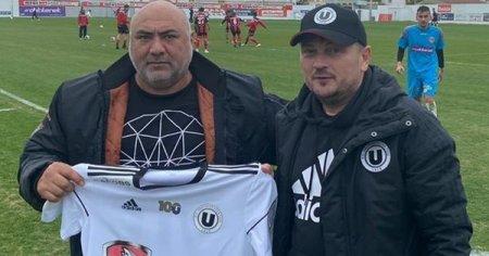 Bogdan Andone, contract semnat cu pistolul sabia pe masă