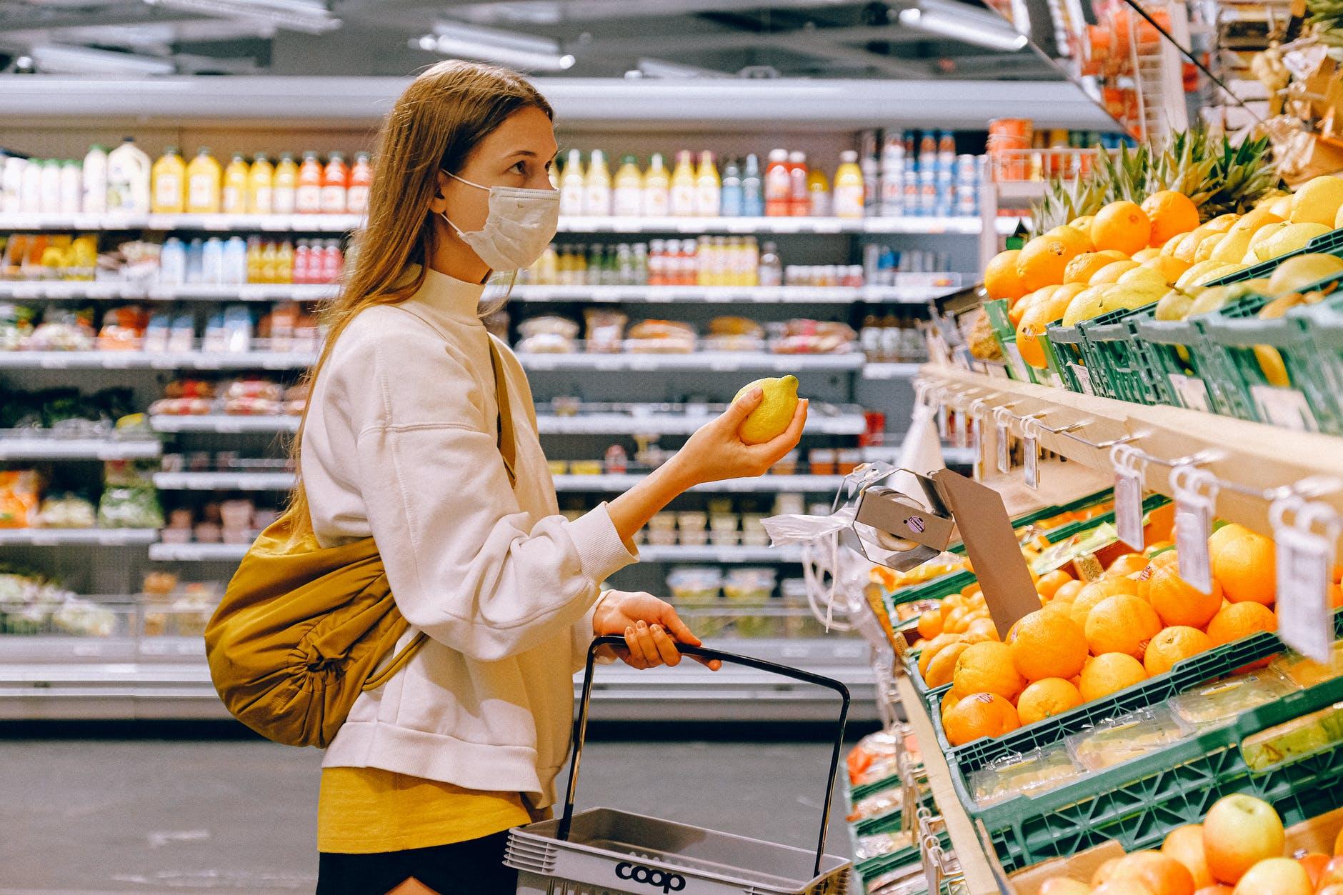 Alimente pe care trebuie să le eviți. Nutriționist: Nu mâncați nimic din ceea ce bunicii voștri n-ar recunoaște ca aliment