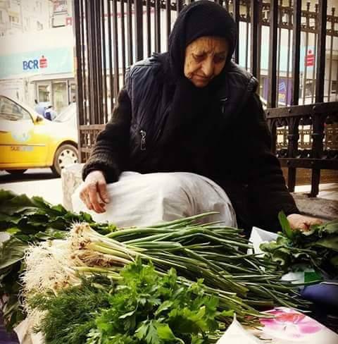 """Părintele Baștovoi: """"Dați voie bătrânilor să-și vândă mărarul și pătrunjelul oriunde ar vrea ei"""""""