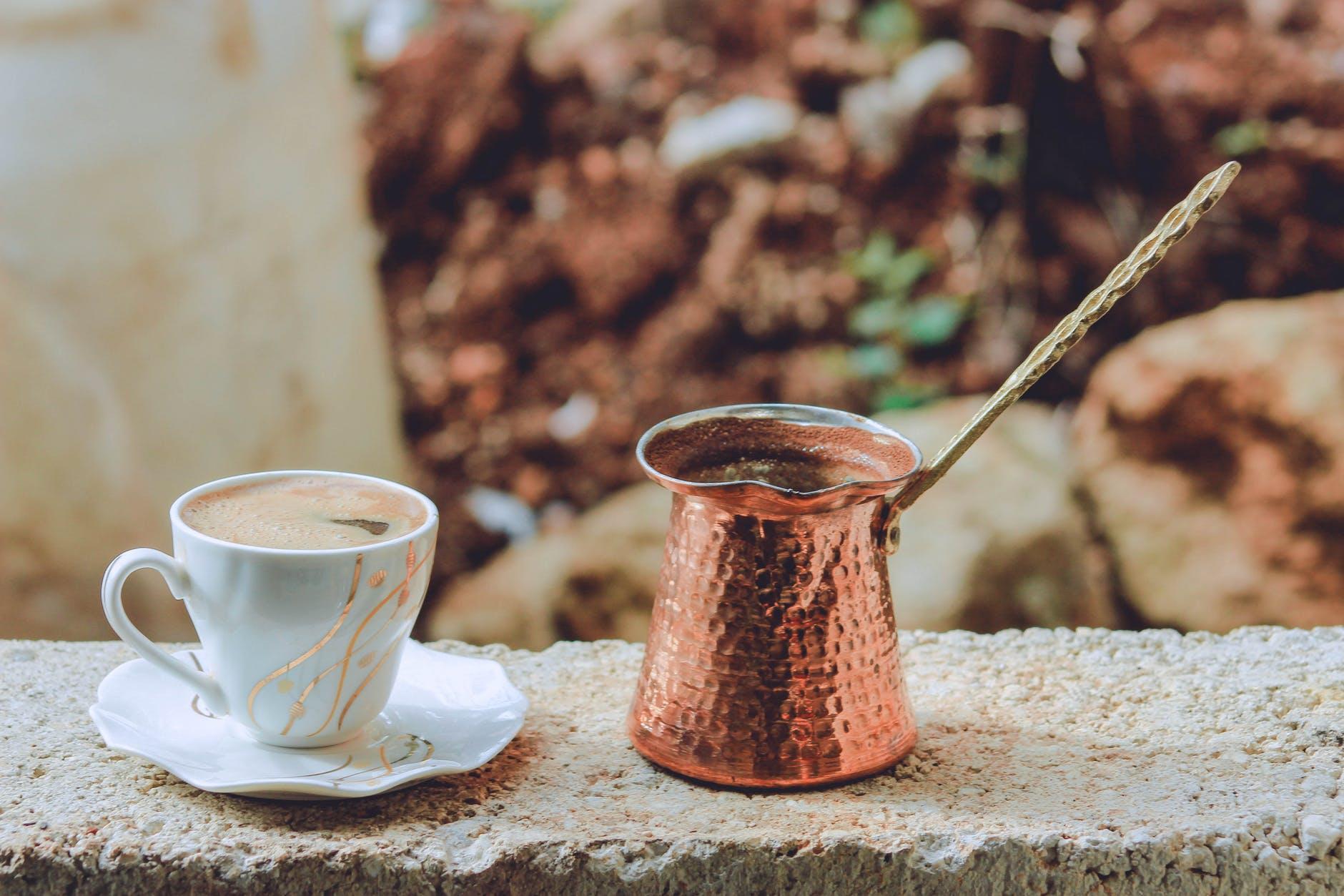 Adevărul despre cafea. Mihaela Bilic: Încetinește golirea stomacului!