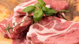 """Adevărul despre carnea de porc. Celebru nutriționist. """"La porc totul e bun"""""""