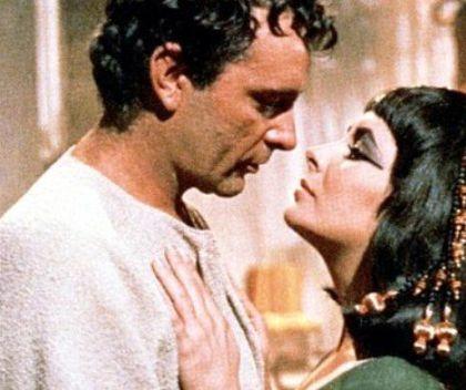 Cum îşi satisfăcea Regina Cleopatra FANTEZIILE. Obiceiurile BIZARE şochează şi în PREZENT