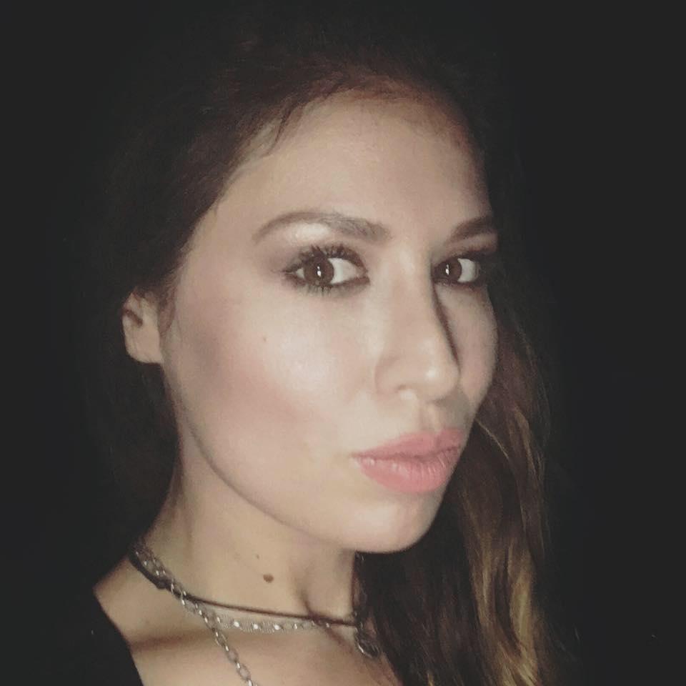 Apel disperat pe Facebook! Cristina Bălan, pe punctul de a fi încătușată pentru că fii săi s-au suit pe tobogan