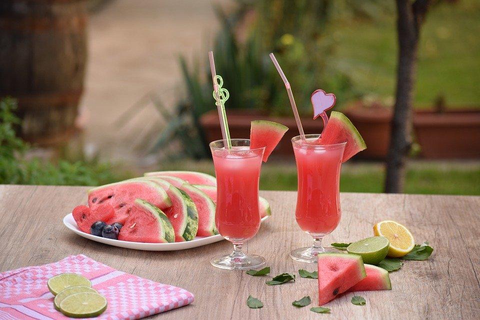 Limonada racoritoare cu pepene rosu. Bautura cu care iti vei surprinde prietenii vara aceasta!