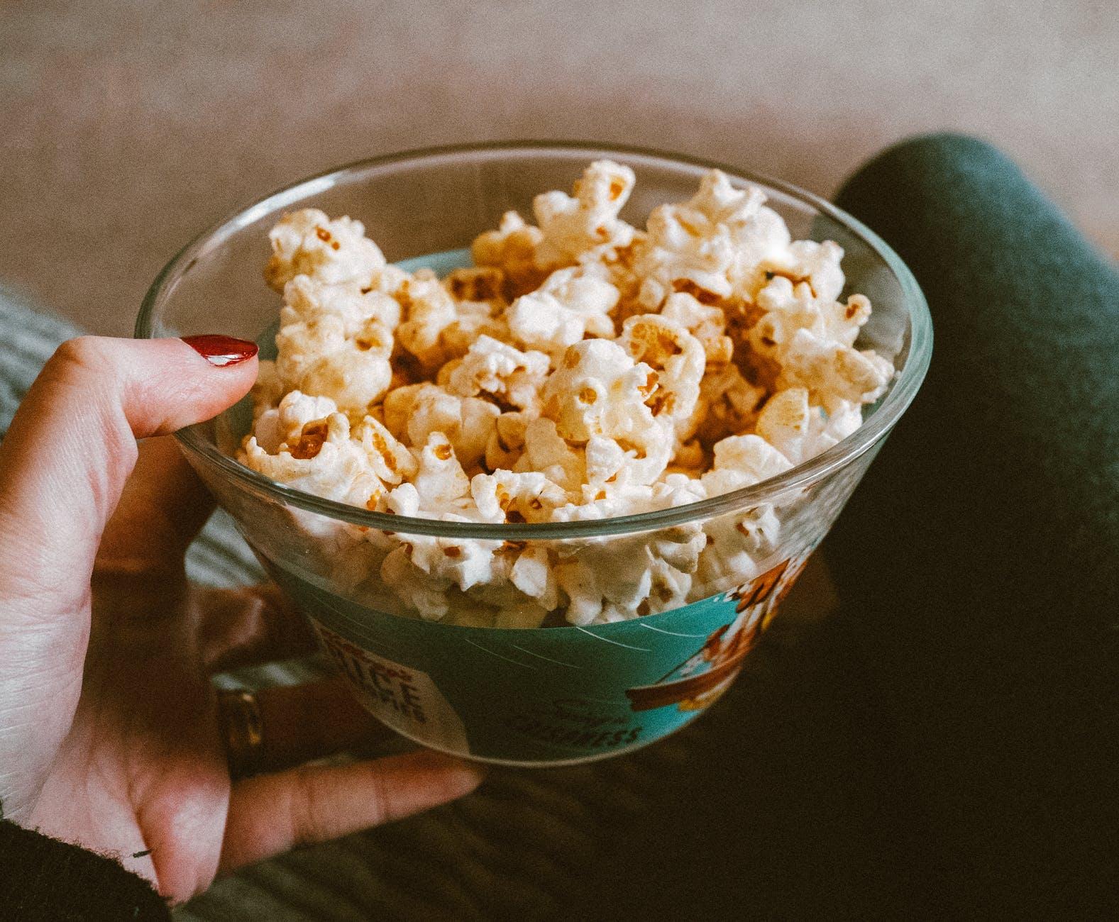 Mare atentie la POPCORN! Alimentul poate cauza o boala MORTALA