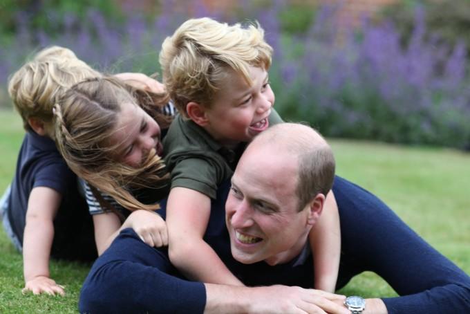 Casa Regală, aniversare specială. Prințul William, în ipostaze nemaivăzute