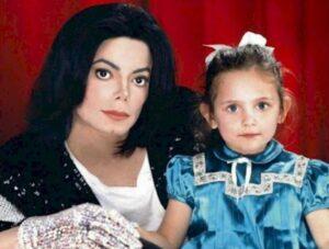 """Michael  Jackson își tachina fiica pe tema sexualității sale """"diferite"""". La 9 ani!"""