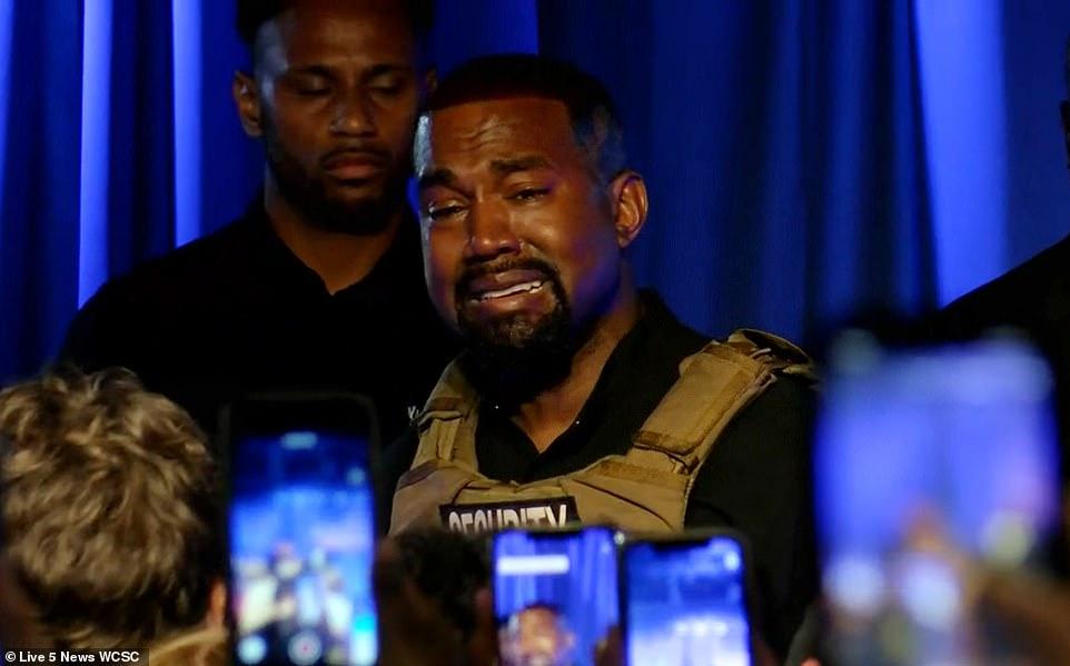 Kanye West și-a pierdut cumpătul. A plâns incontrolabil în primul miting pentru președinție