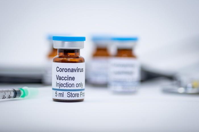 Anunțul momentului despre vaccinul împotriva coronavirusului: Ar putea începe în decembrie!