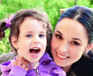 """Ce mare și frumoasă s-a făcut fiica Andreei Marin! """"Mă uit la ea şi mă văd pe mine"""""""