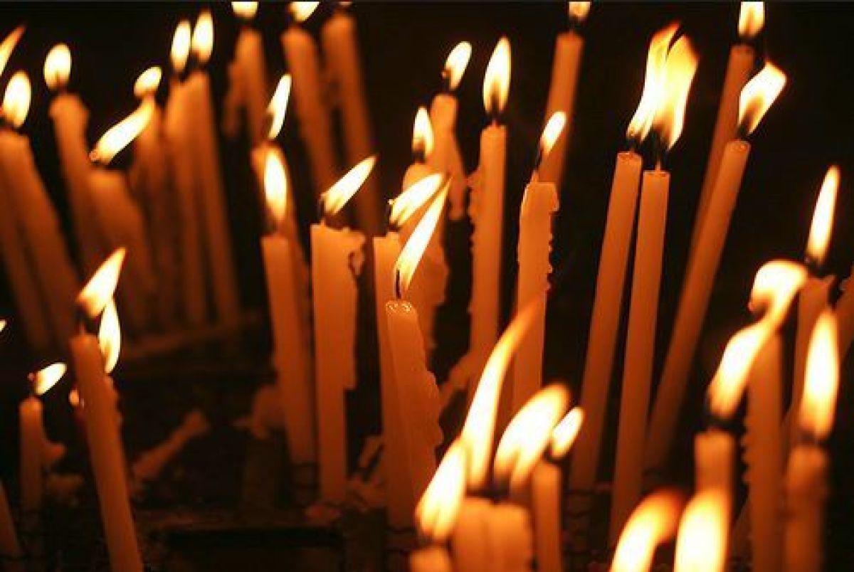 Ce înseamnă când visezi lumânări? Anunță vești bune sau triste?