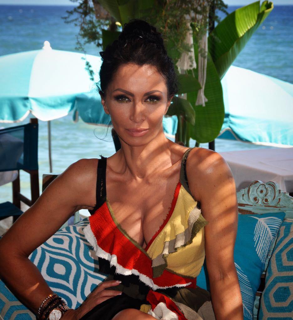 """Impecabilă la 51 de ani! Mihaela Rădulescu. """"Să fiți fericiți pe cont propriu"""""""