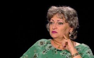 """Monica Pop, semnal de ALARMĂ! """"Ce fac cei care au 3-5 copii școlari și nu au deloc TABLETĂ, iar ei învață concomitent?"""""""