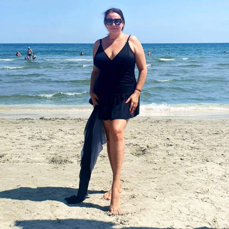Oana Roman profită de zilele călduroase și a plecat la mare. Un detaliu ne-a atras atenția