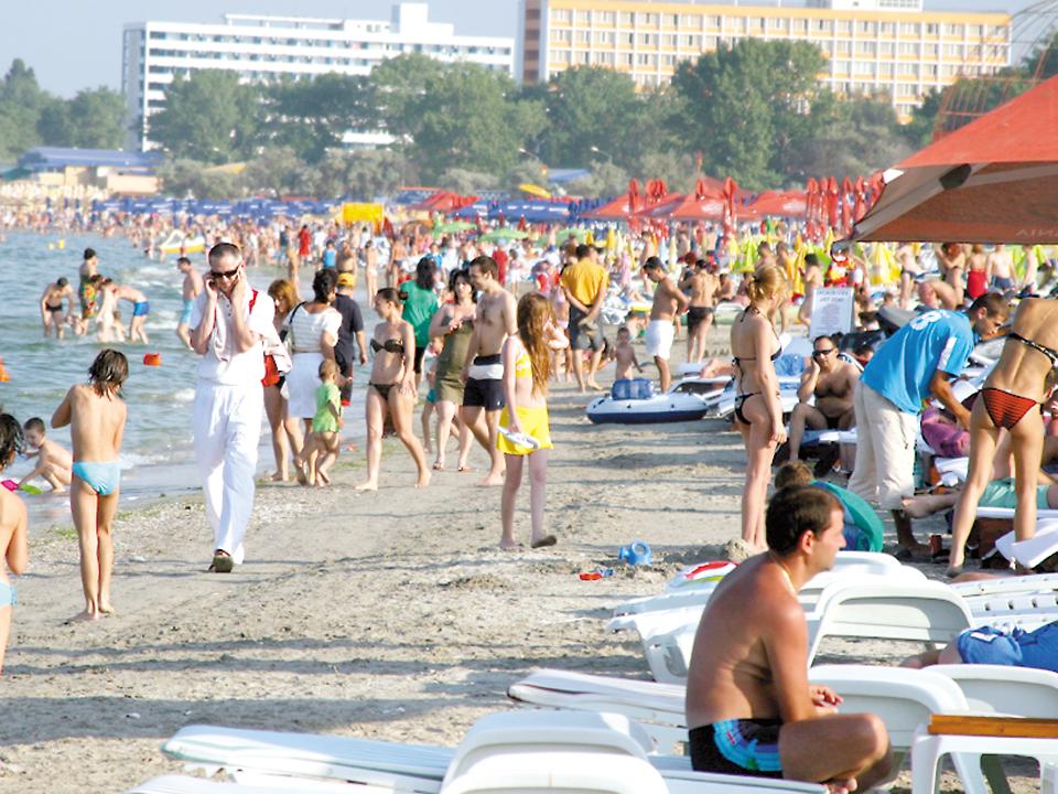 Început de septembrie aglomerat pe litoralul românesc