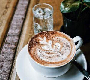Cum îți trădează cafeaua personalitatea. Lidia Fecioru: Oamenii puternici beau...
