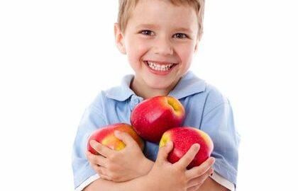 Alimentatia scolarului. Medic celebru: Trebuie sa contina in fiecare zi toti nutrientii esentiali