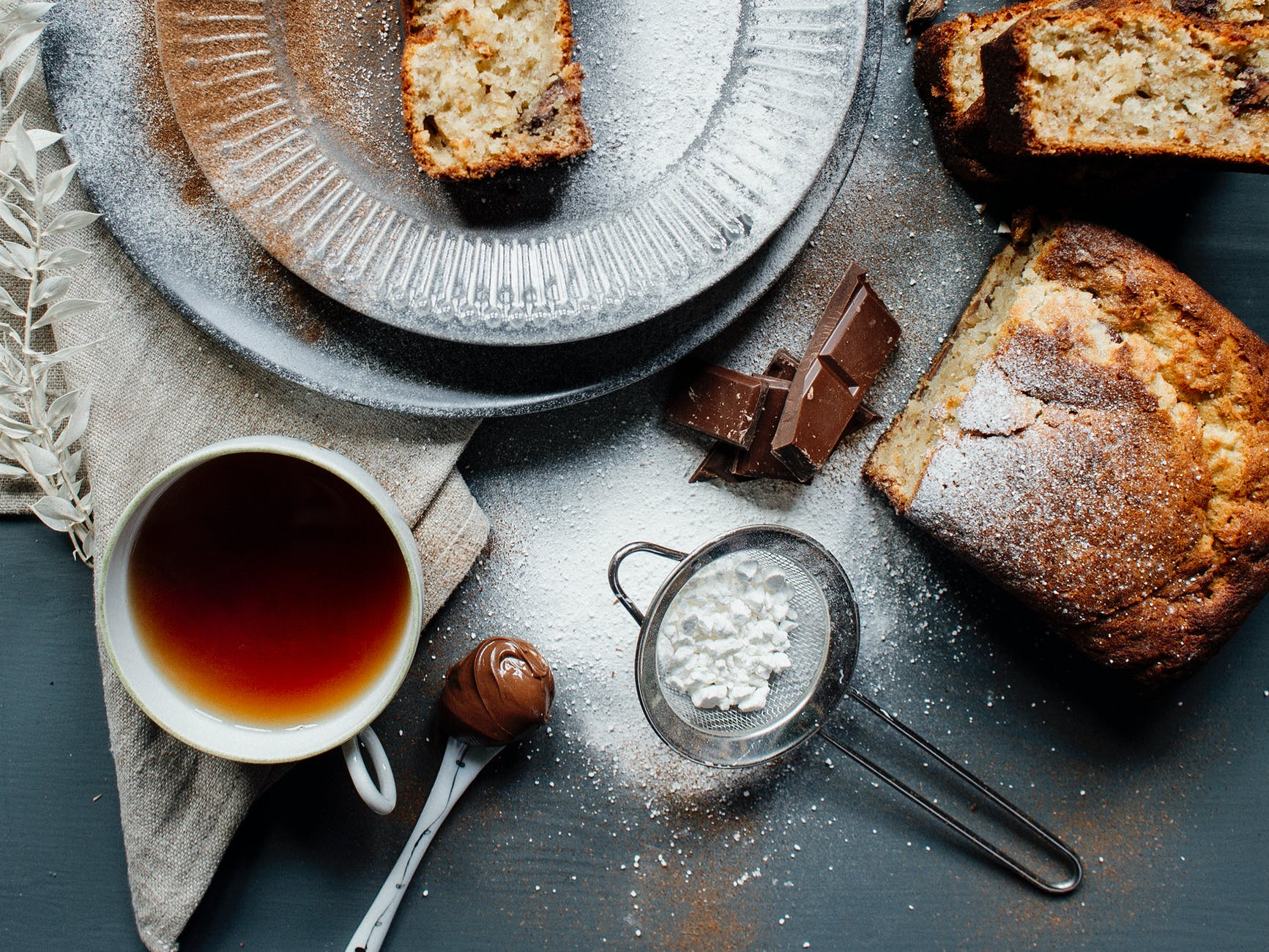 Reteta delicioasa de banana bread. Un desert rapid, aromat, care ti se topeste in gura!