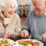 """Reguli simple ca să """"prinzi"""" suta de ani. Irina Reisler. """"Prânzul înseamnă, negreșit, mâncare gătită"""""""