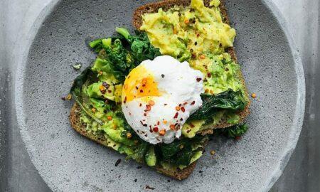 Dimineți pline de energie! Recomandarea nutriționistului: Mic dejun sățios și consistent!