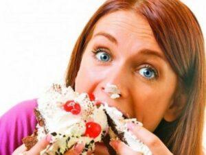 """Mâncatul cu poftă îngrașă mai tare! Mit sau realitate? Nutriționist celebru. """"Deși nu are logică, sunt sigură că..."""""""
