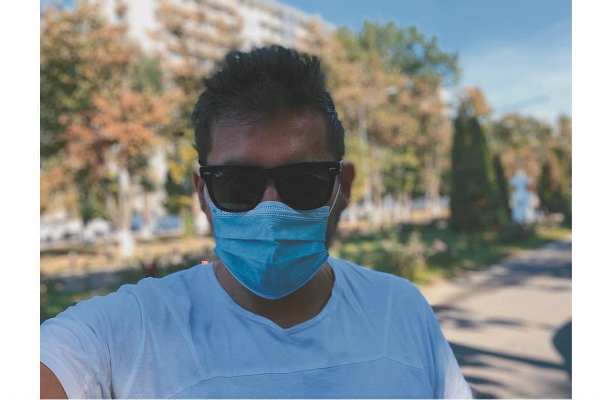 """Radu Buzăianu, sinceritate dusă la extrem. """"A început să-mi placă să port mască"""""""