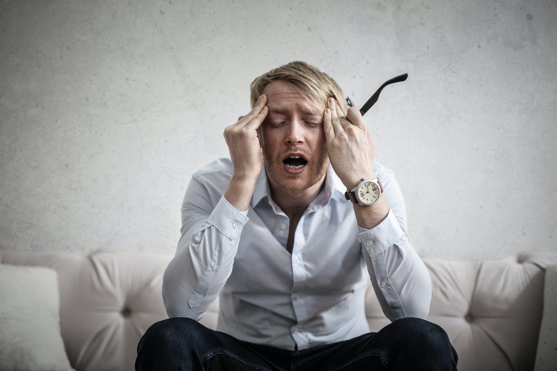 Cum să scapi de durerea de cap în mod natural. 5 remedii care vă pot ajuta