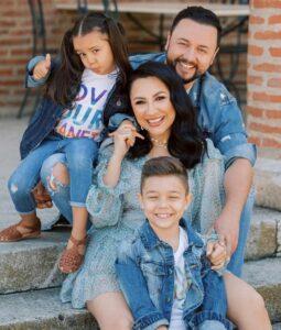 O familie de vedete, de la mic la mare! Andra și Cătălin Măruță, mândri de copii lor
