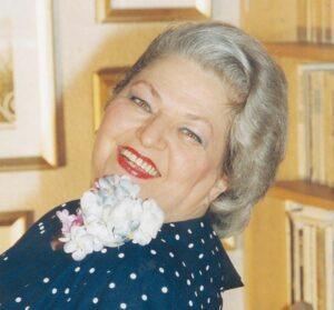 """Draga Olteanu Matei, marea Doamnă a inimilor noastre, a împlinit astăzi 87 de ani! """"Iubesc viata foarte mult"""""""