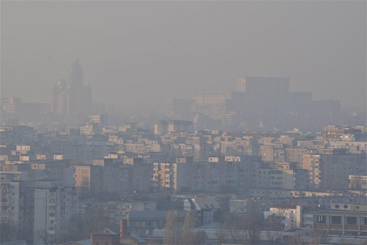 """Cauza posibilă a """"aerului otrăvit"""" din București. Ce a descoperit Garda Națională de Mediu"""