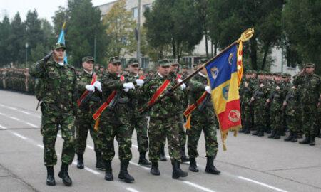 "Președintele Klaus Iohannis, mesaj de Ziua Armatei Române. ""Armata Română rămâne, pentru poporul român, același reper moral"""