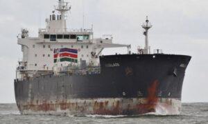 Navă atacată de pirați în Oceanul Atlantic. Cel puțin un român a fost luat ostatic