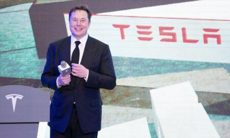 Elon Musk trece pe locul trei în lume în topul averilor. Cât a câștigat în anul 2020 prin companiile Tesla și SpaceX