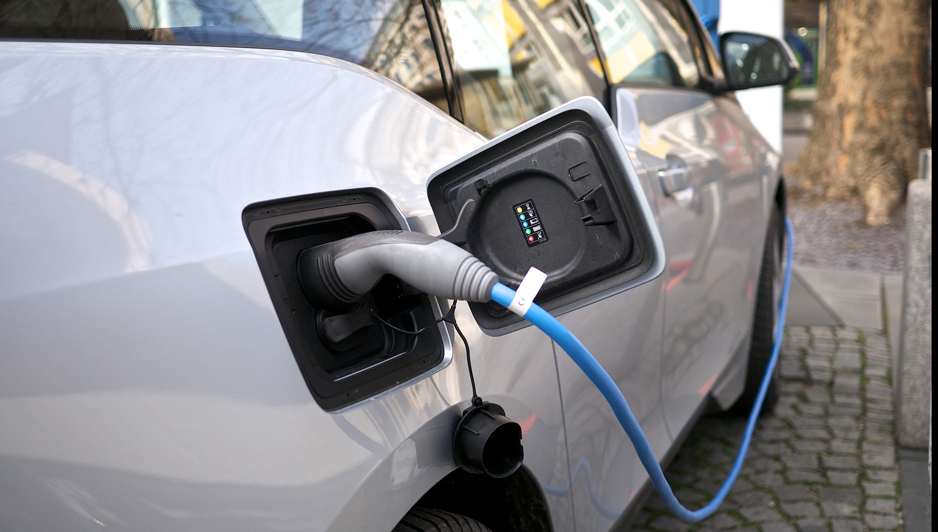 Programul Rabla Plus. Ce mașini electrice și hybrid sunt propuse pentru achiziție