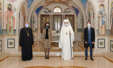 BOR și educația din România. Întâlnire între Patriarhul Daniel și ambasadorul Franței, Laurence Auer