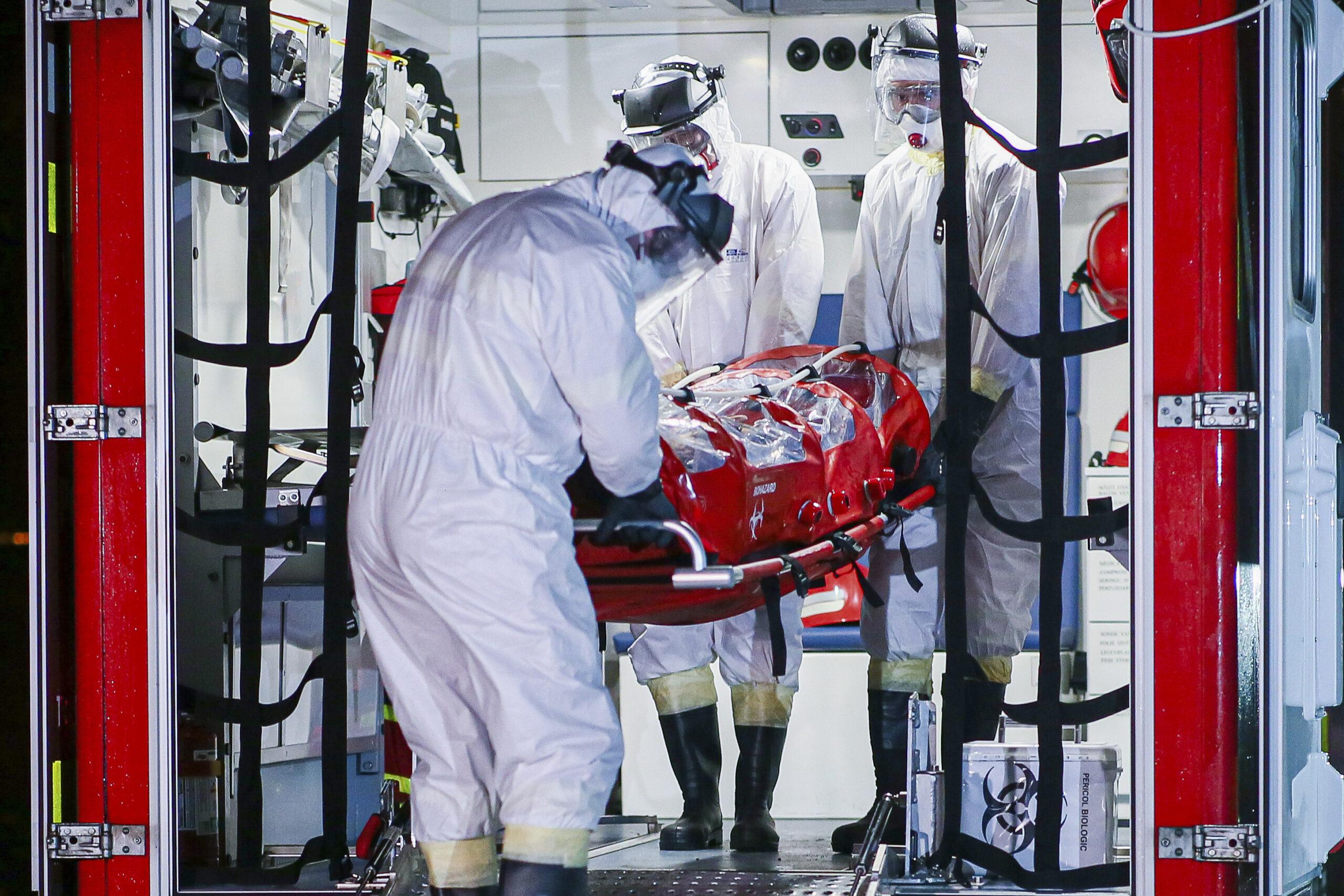 Încă o zi cu o nouă scădere a numărului de infecţii cu coronavirus. 98 de morți în ultima zi