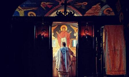 Românii nu merg la biserică, dar se declară religioși!