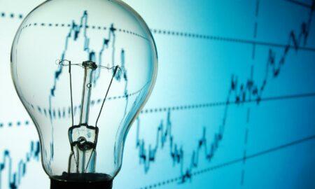 """Virgil Popescu despre majorarea tarifului la energie electrică. """"Aceste preţuri mi se par a fi artificial mărite"""""""