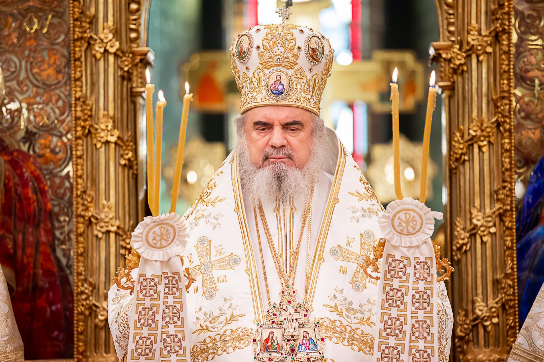 Patriarhul Daniel, mesaje de condoleanțe după moartea lui Ion Caramitru și Ivan Patzachin