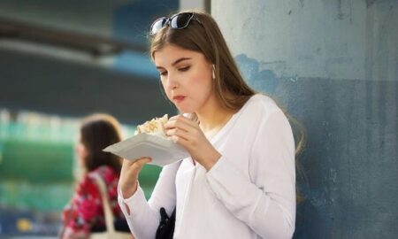 Cum să mănânci mult fără să te îngrași