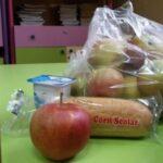 """""""Laptele, cornul și merele"""", în vreme de pandemie. Cum vor fi distribuite aceste produse copiilor?"""